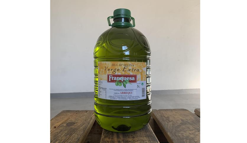 Local products EXTRA VIRGIN OLIVE OIL ARBEQUINA